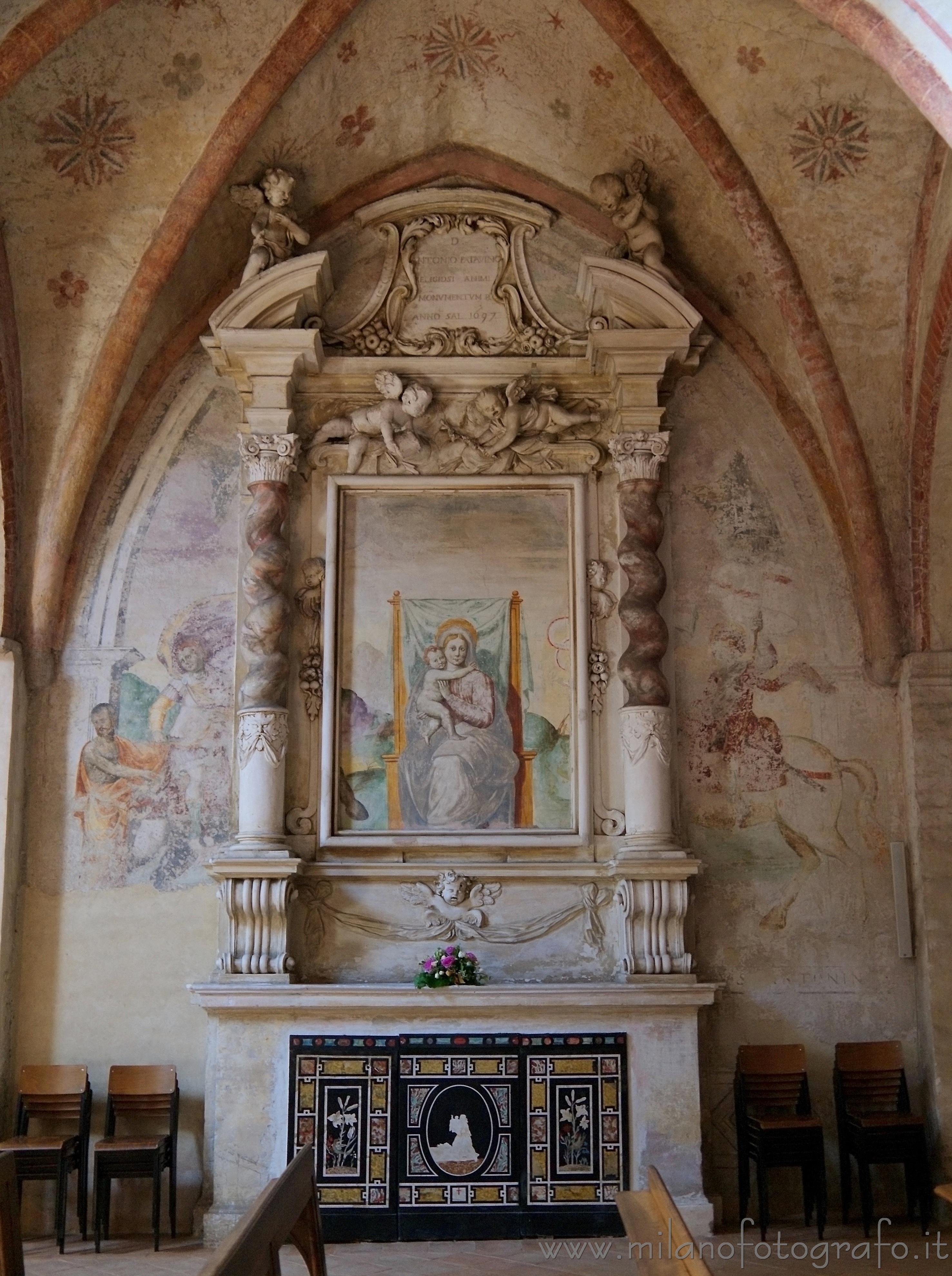 san giuliano milanese milano dettaglio degli interni dell 39 abbazia di viboldone immagine a. Black Bedroom Furniture Sets. Home Design Ideas