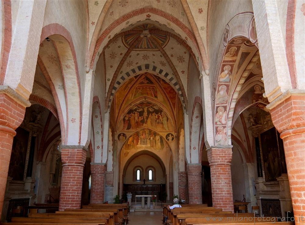 Interni dell 39 abbazia di viboldone san giuliano milanese - Piastrelle san giuliano milanese ...
