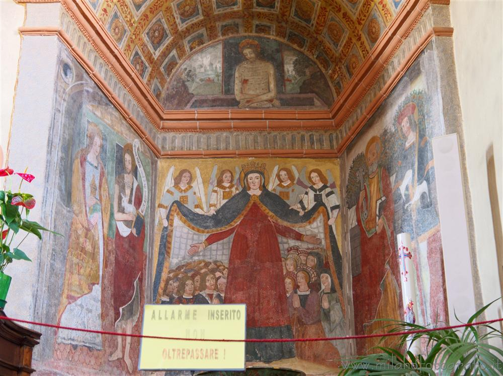 Benna (Biella, Italy) - Frescoes of Our Lady of Mercy in the Church of San Pietro