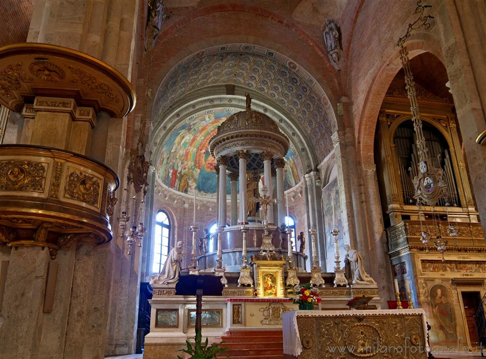 Milan (Italy) - Basilica of San Simpliciano: Altar and aps