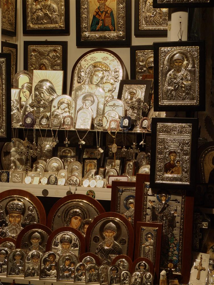 Korfu Town (Greece) - Icons in shopping window