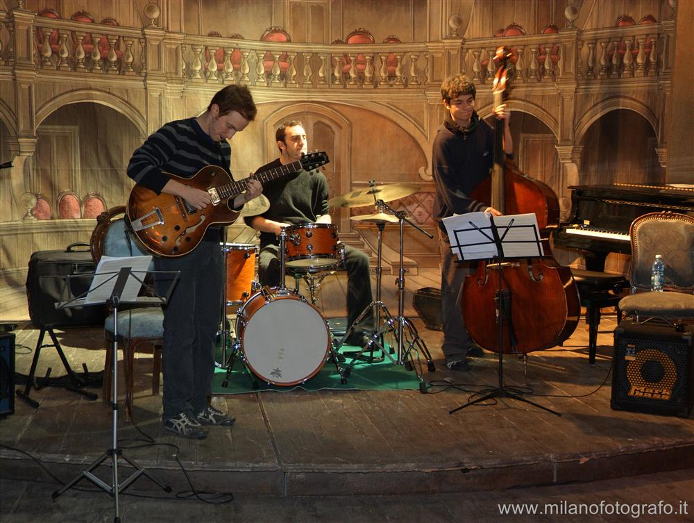 Milano - Johngrandee trio in concerto