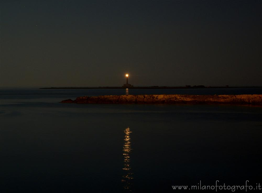 Gallipoli (Lecce, Italy) - Light tower on the Sant Andrea Island by night