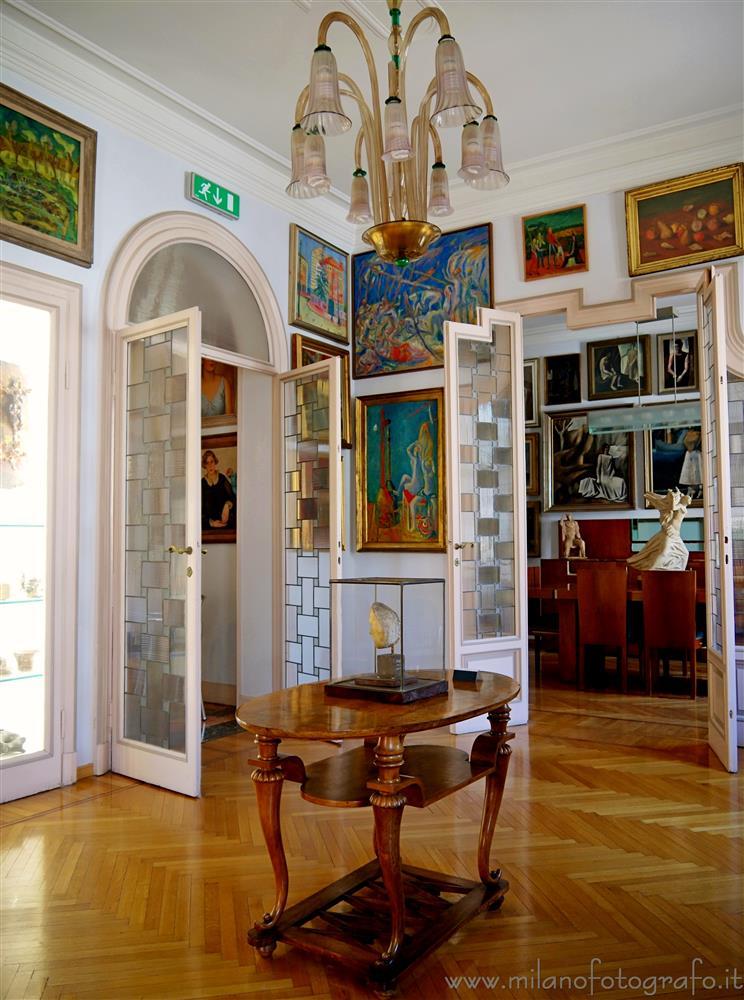 Sala all 39 interno della casa museo boschi di stefano milano for Interno della casa