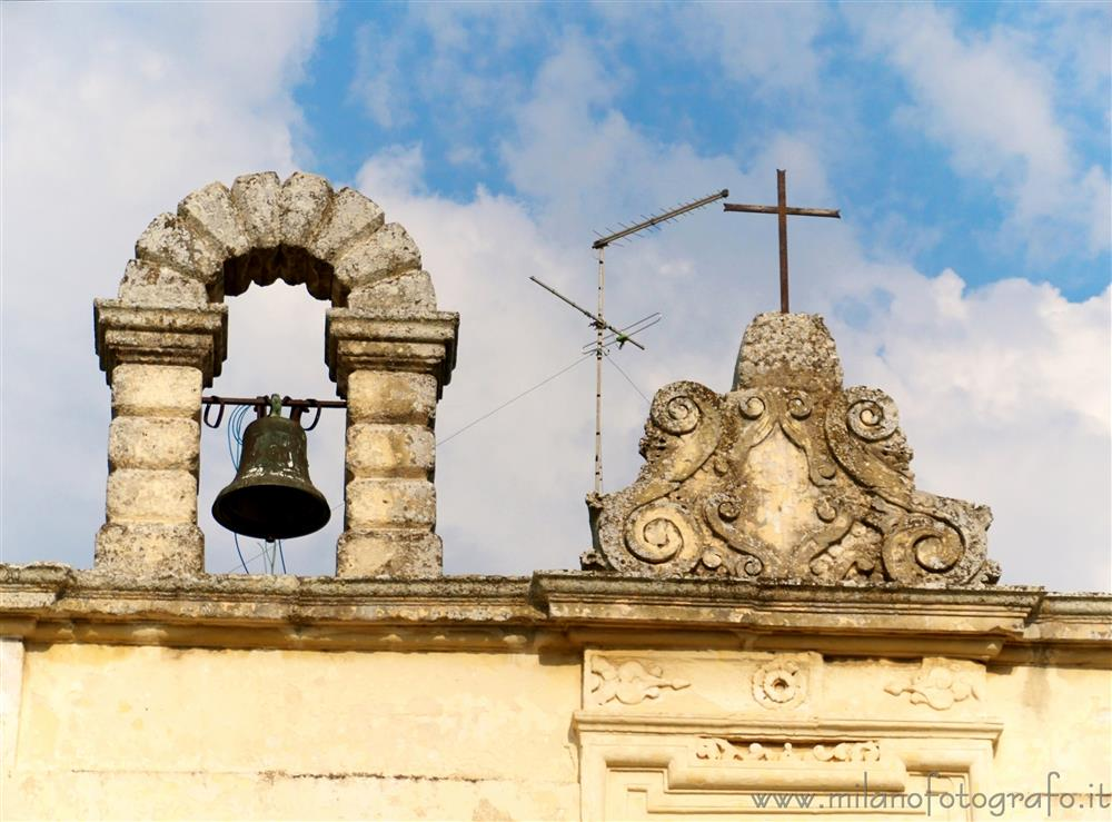 Martano (Lecce, Italy) - Decorations on roof a building