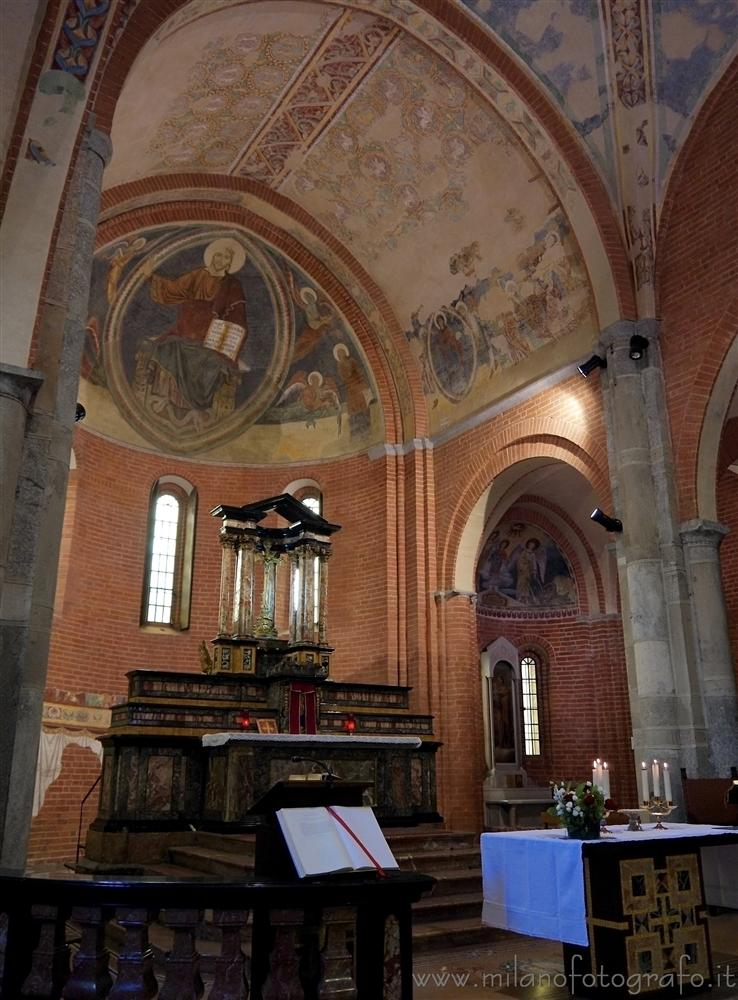 Milan (Italy) - Altar and aps of the Church of Santa Maria Rossa in Crescenzago