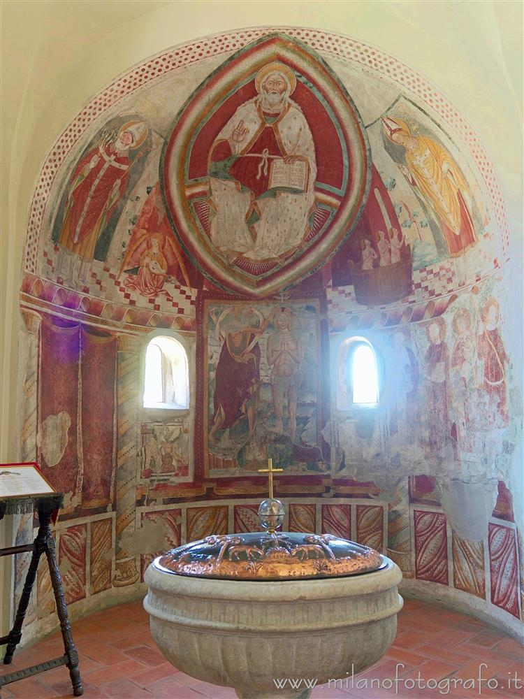 Sesto Calende (Varese, Italy) - Left apse of the Abbey of San Donato