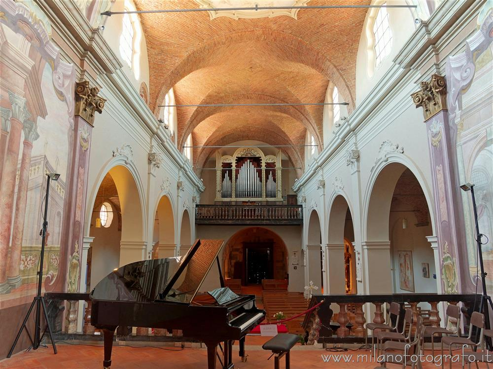 Sesto Calende (Varese, Italy) - Central nave of the Abbey of San Donato