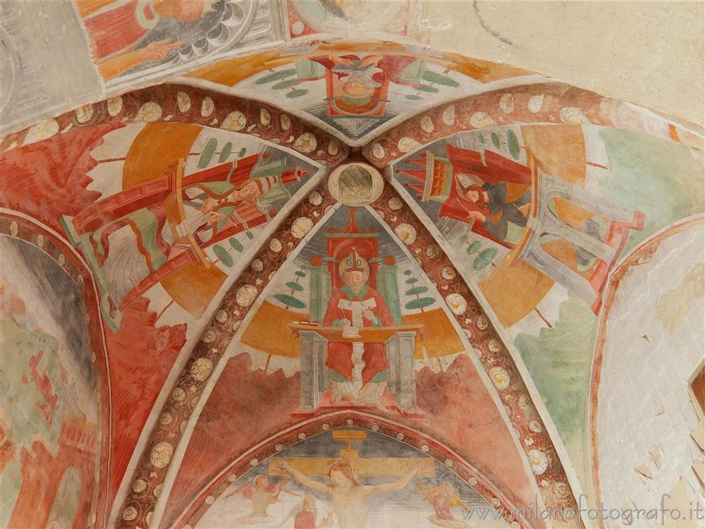 Settimo Milanese (Milano, Italy) - Frescoed voult of the presbytery of the Oratory of San Giovanni Battista