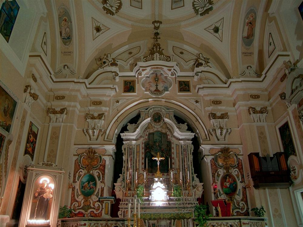 Felline fraction of Alliste (Lecce, Italy) - Main altar in the Church of San Leucio