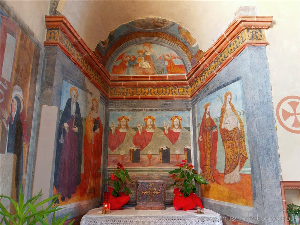 Benna (Biella, Italy) - Chapel on top of the left aisle in the Church of San Pietro