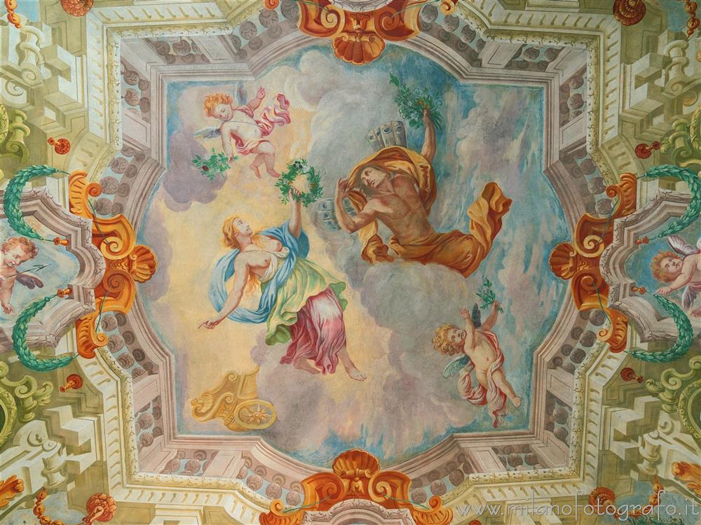 Cavernago (Bergamo, Italy) - Trompe l'oeil on the ceiling of one of the rooms of the Castle of Cavernago