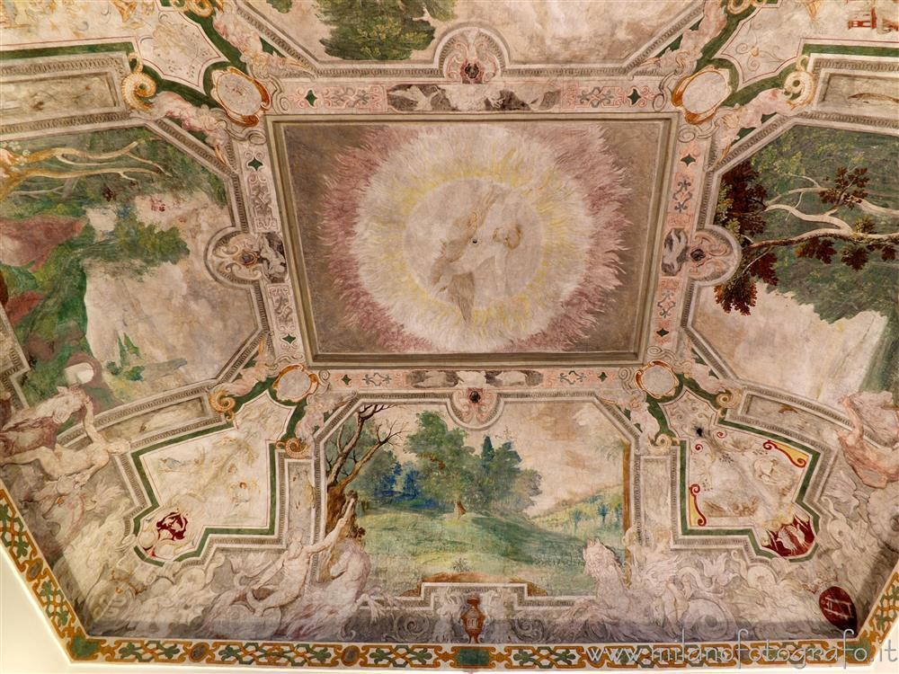 Cavenago di Brianza (Monza e Brianza, Italy) - Vault of the Jupiter Hall in Palace Rasini