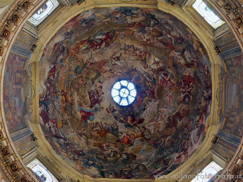 Milan (Italy) - Frescoed calotte of the central dome of the Church of Sant'Alessandro in Zebedia