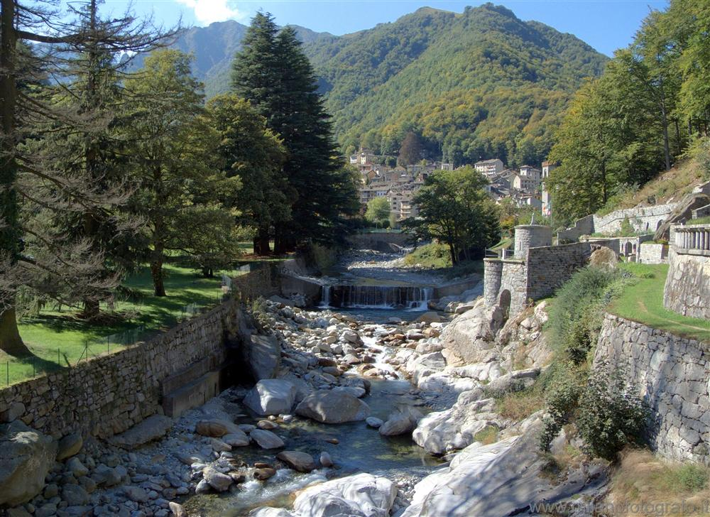 Rosazza (Biella, Italy) - The town seen from the cemetery bridge