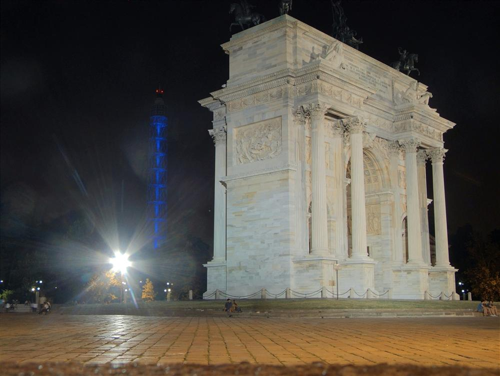 Milan (Italy) - Arco della Pace by night