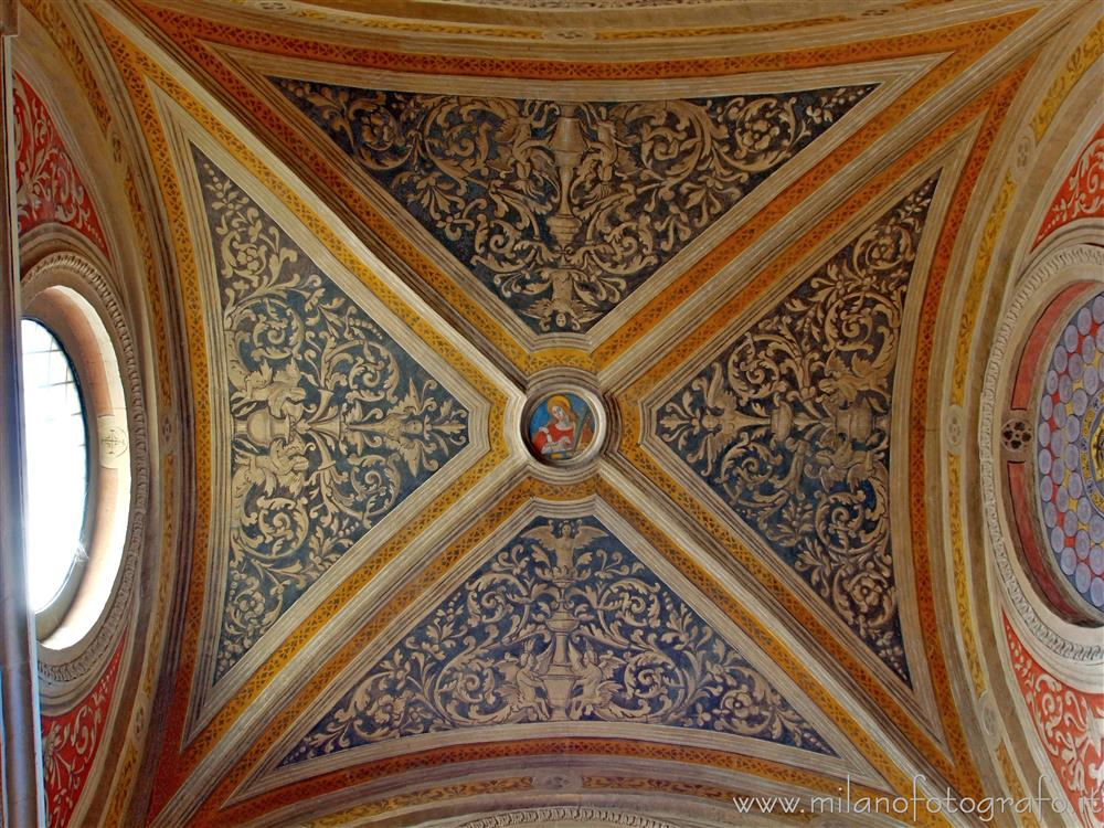 Legnano (Milan, Italy) - Grotesque decorations on the ceiling of the Chapel of Sant'Agnese in the Basilica of San Magno