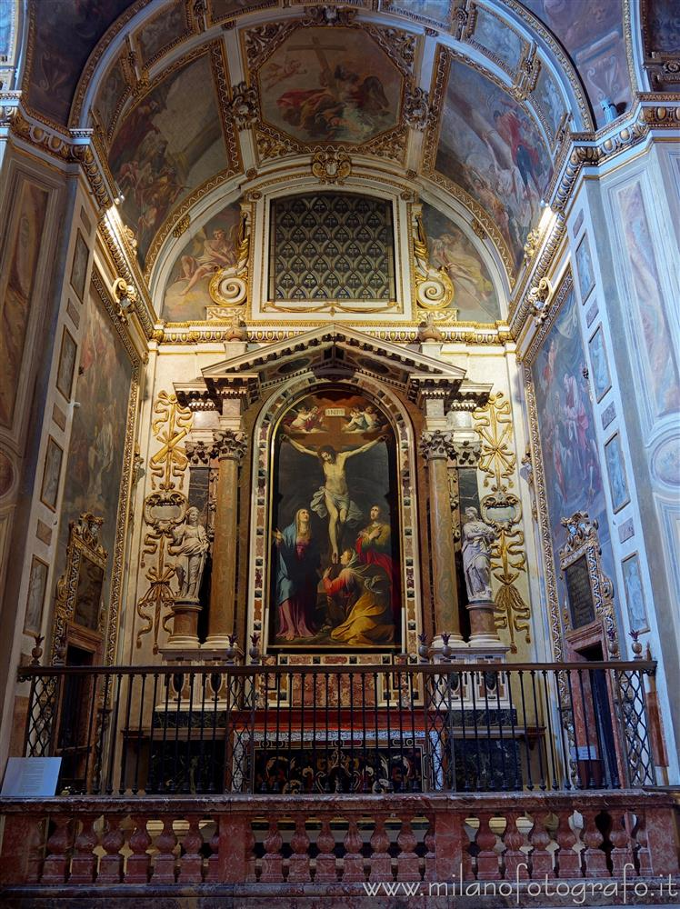 Milan (Italy) - Chapel of the Crucifix in the Church of Sant'Alessandro in Zebedia