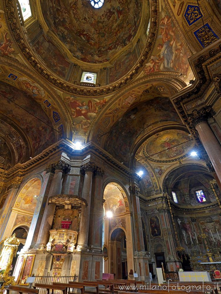 Milan (Italy) - Glimpse of the interior of the Church of Sant'Alessandro in Zebedia