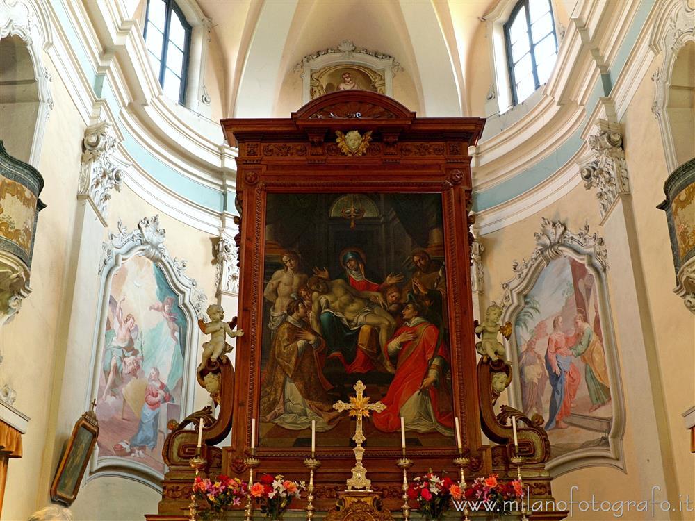 Oggiono (Lecco, Italy) - Retable of the main altar of the Church of San Lorenzo