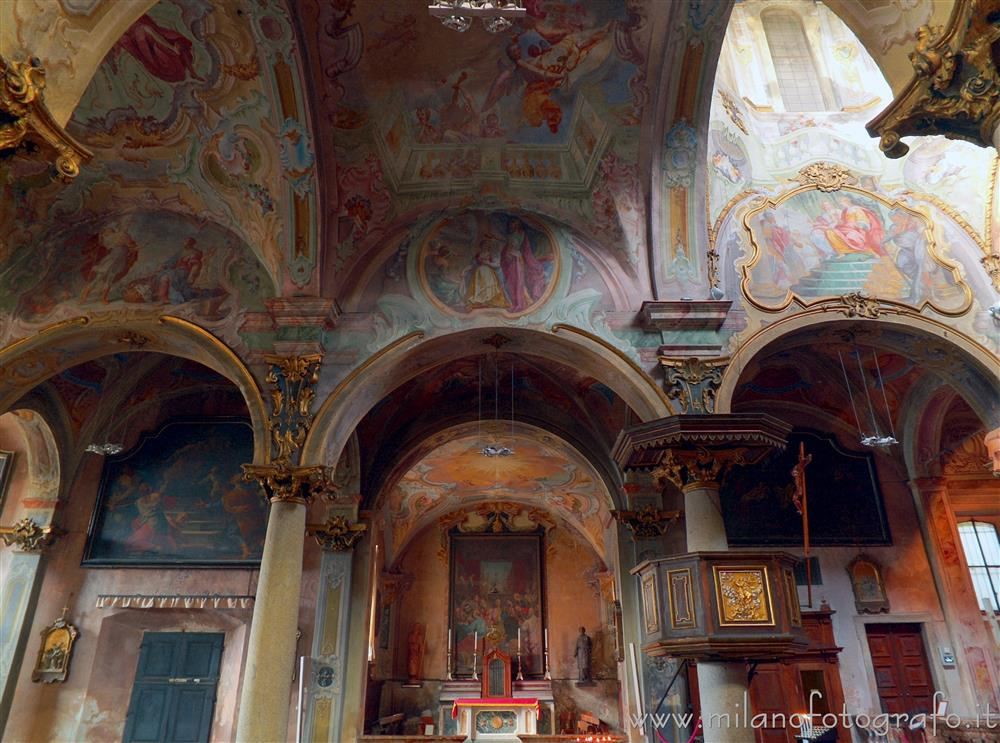 Orta San Giulio (Novara, Italy) - Left side of the interior of the Church of Santa Maria Assunta