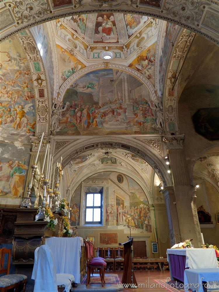 Pallanza frazione di Verbania (VCO, Italy) - Right side of the presbitery of the Church of the Madonna di Campagna