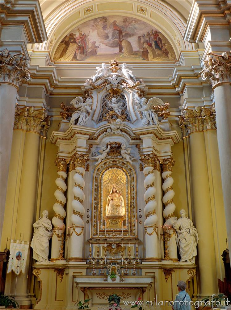 Rimini (Italy) - Altar of the Carmine Vergin in the Church of San Giovanni Battista