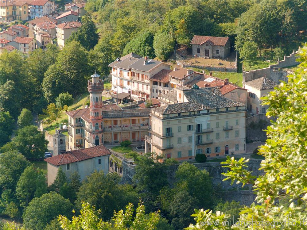 Oriomosso (Biella, Italy) - Villa Piatti in Roreto seen from the cemetery Oriomosso