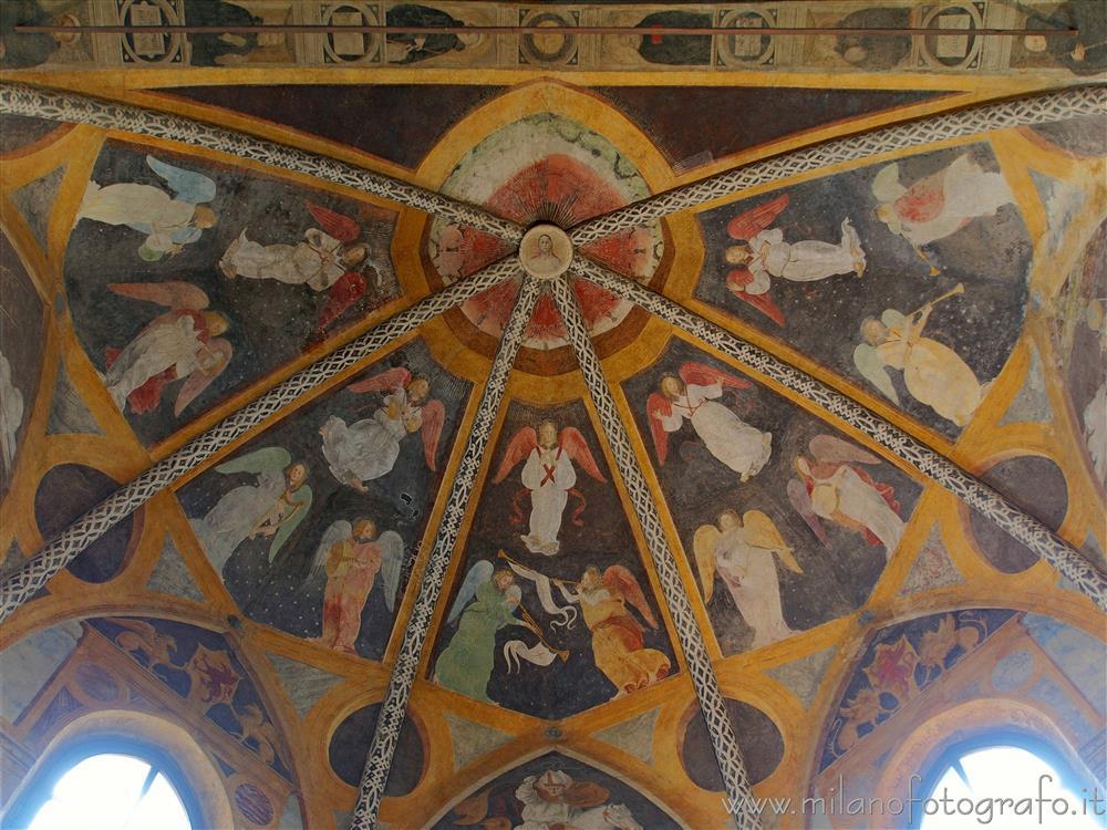 Soffitto A Volta Affrescato : Affreschi sul soffitto della volta della cappella di santambrogio
