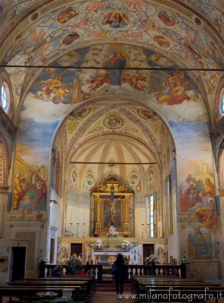 Soncino (Cremona, Italy) - Presbytery and great arch in the Church of Santa Maria delle Grazie