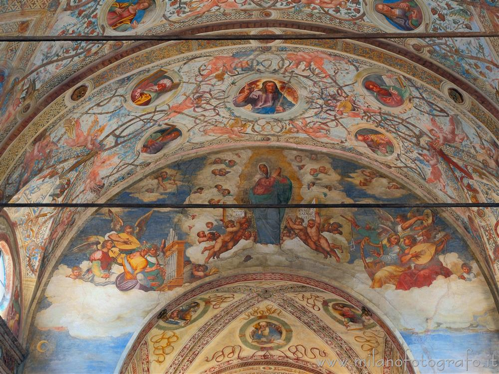 Soncino (Cremona, Italy) - Upper part of the great arch in the Church of Santa Maria delle Grazie
