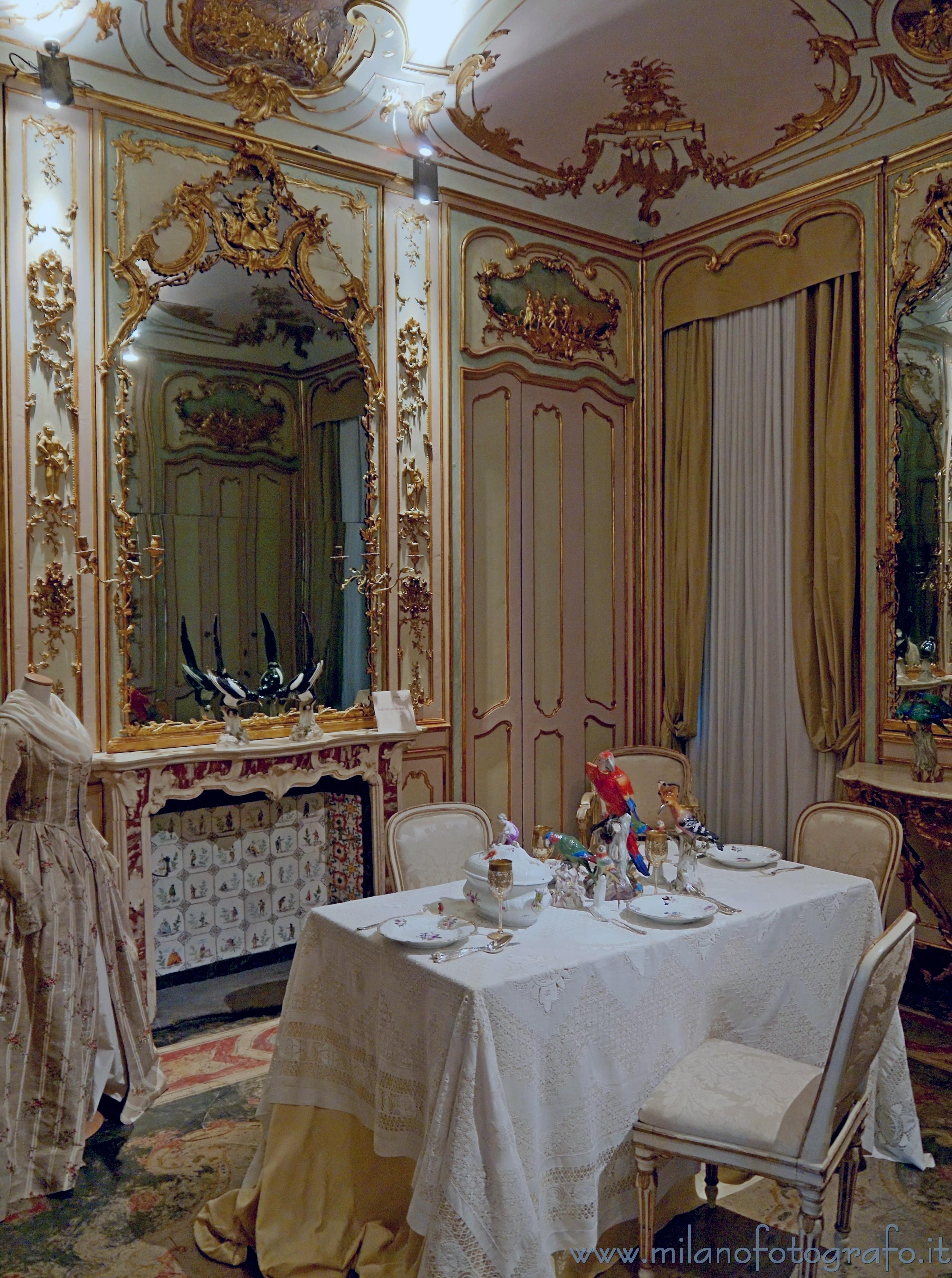 Milano salottino dorato all 39 interno di palazzo morando for Palazzo morando