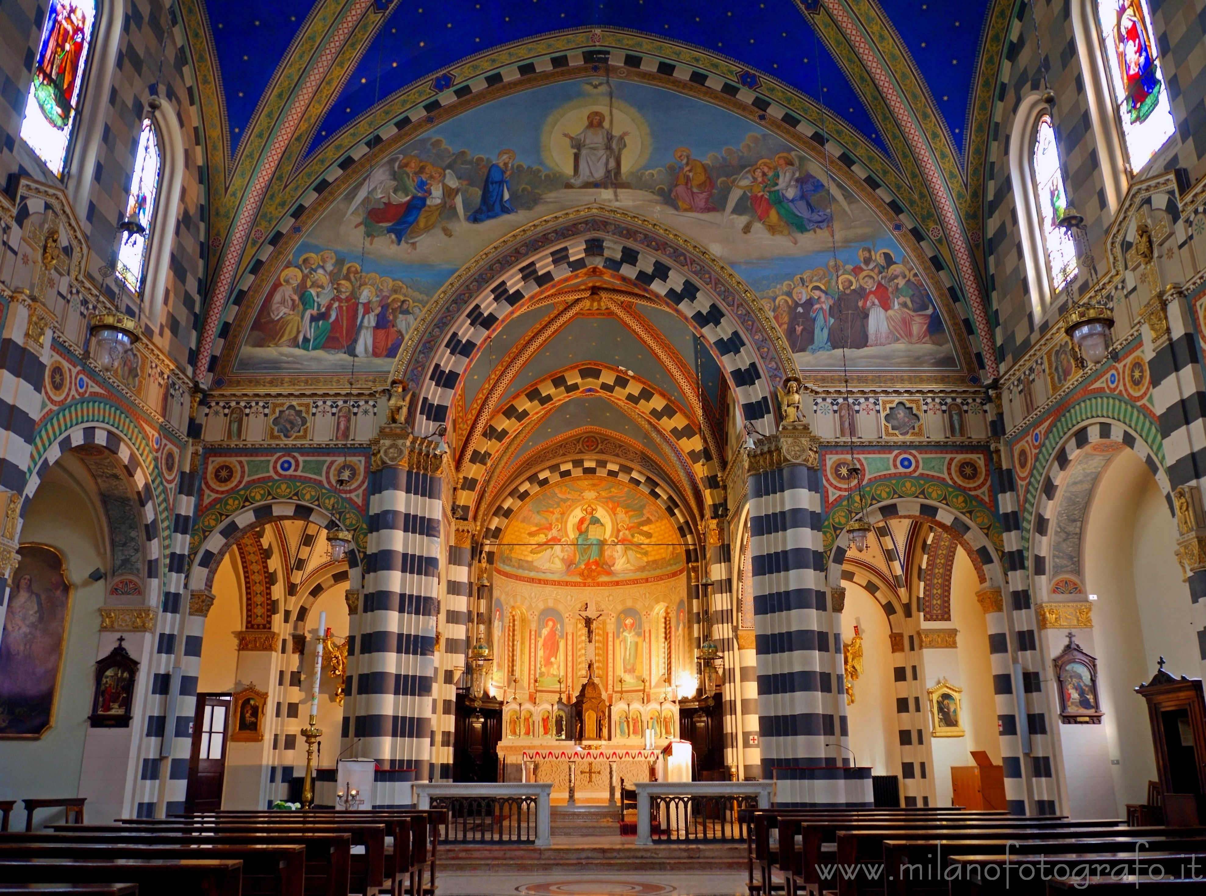 Milan (Italy): The interiors of the Basilica of Sant'Eufemia - Milan (Italy)