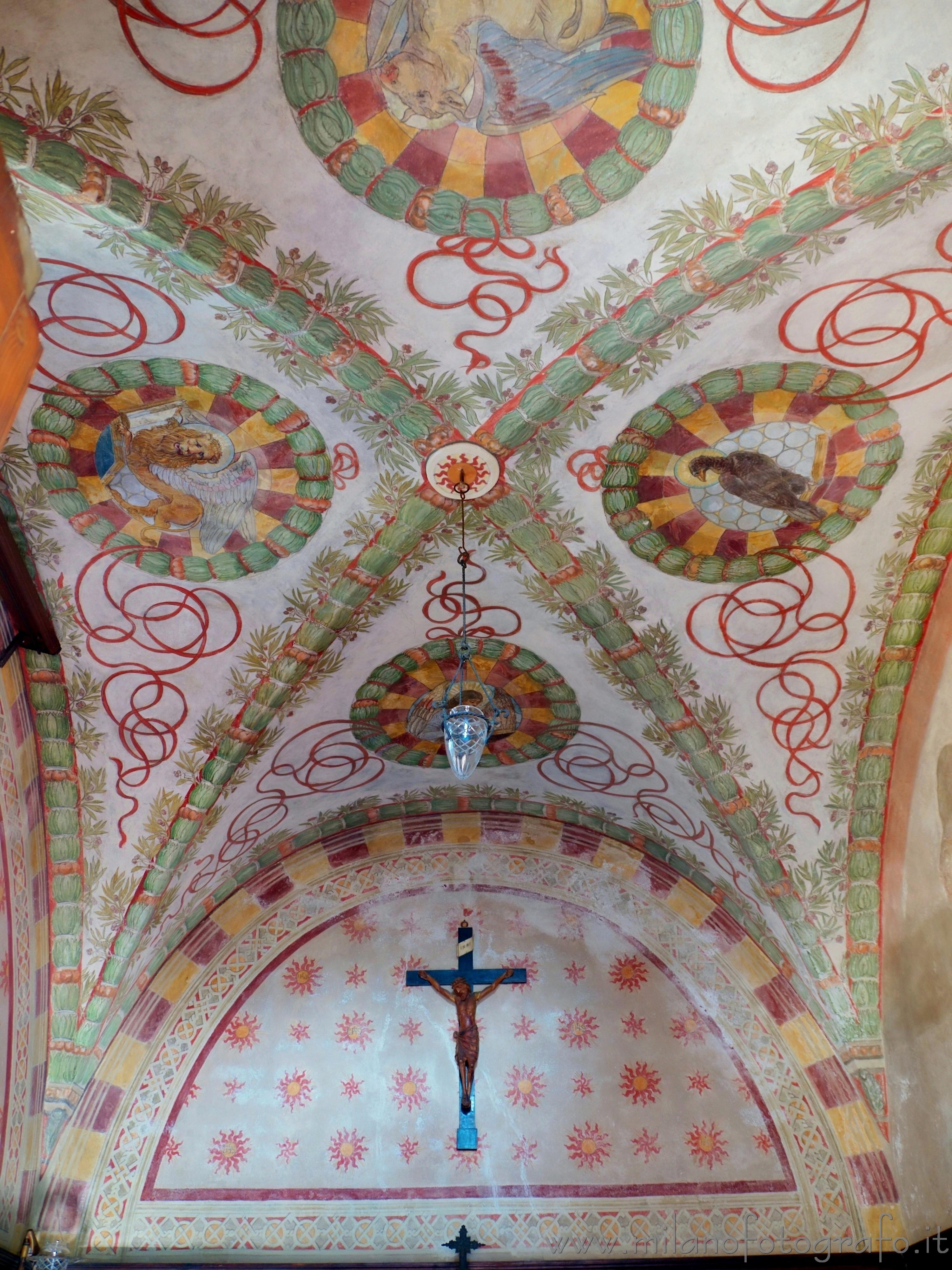Milano: Soffitto affrescato della cappella privata di Villa Mirabello - immagine a piena risoluzione