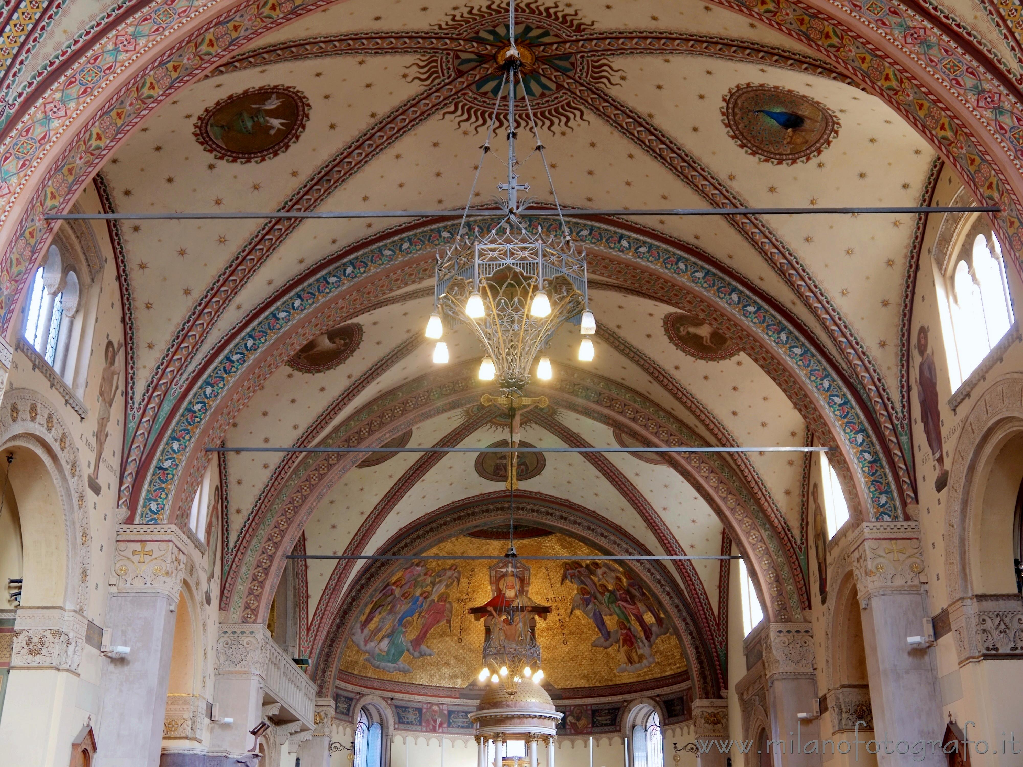 Milano: Soffitto decorato della Chiesa di San Calimero - immagine a piena risoluzione