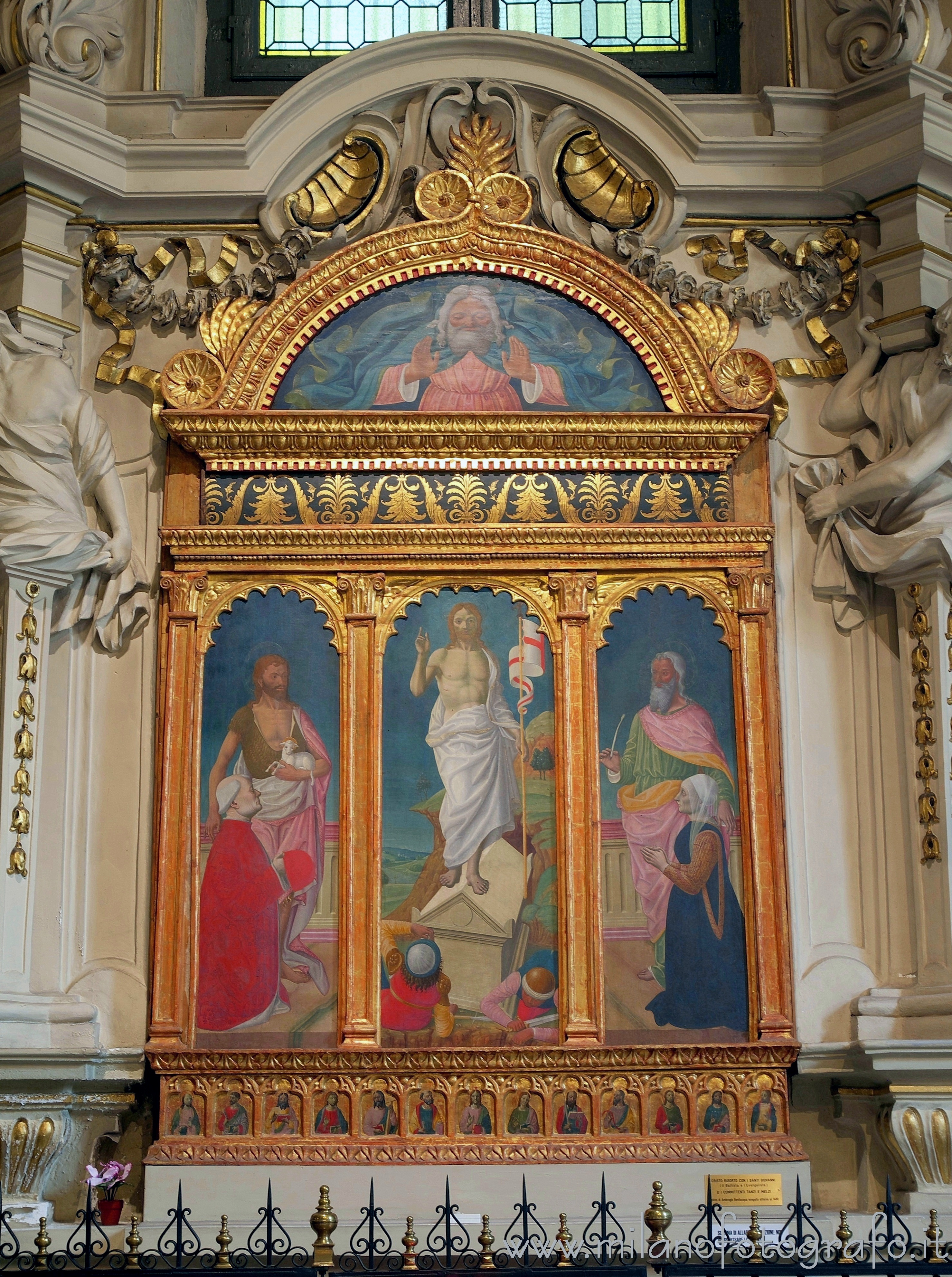 Milan (Italy): Triptych of Resurrection with Saints John the Baptist and Evangelist and the Commitments - Milan (Italy)