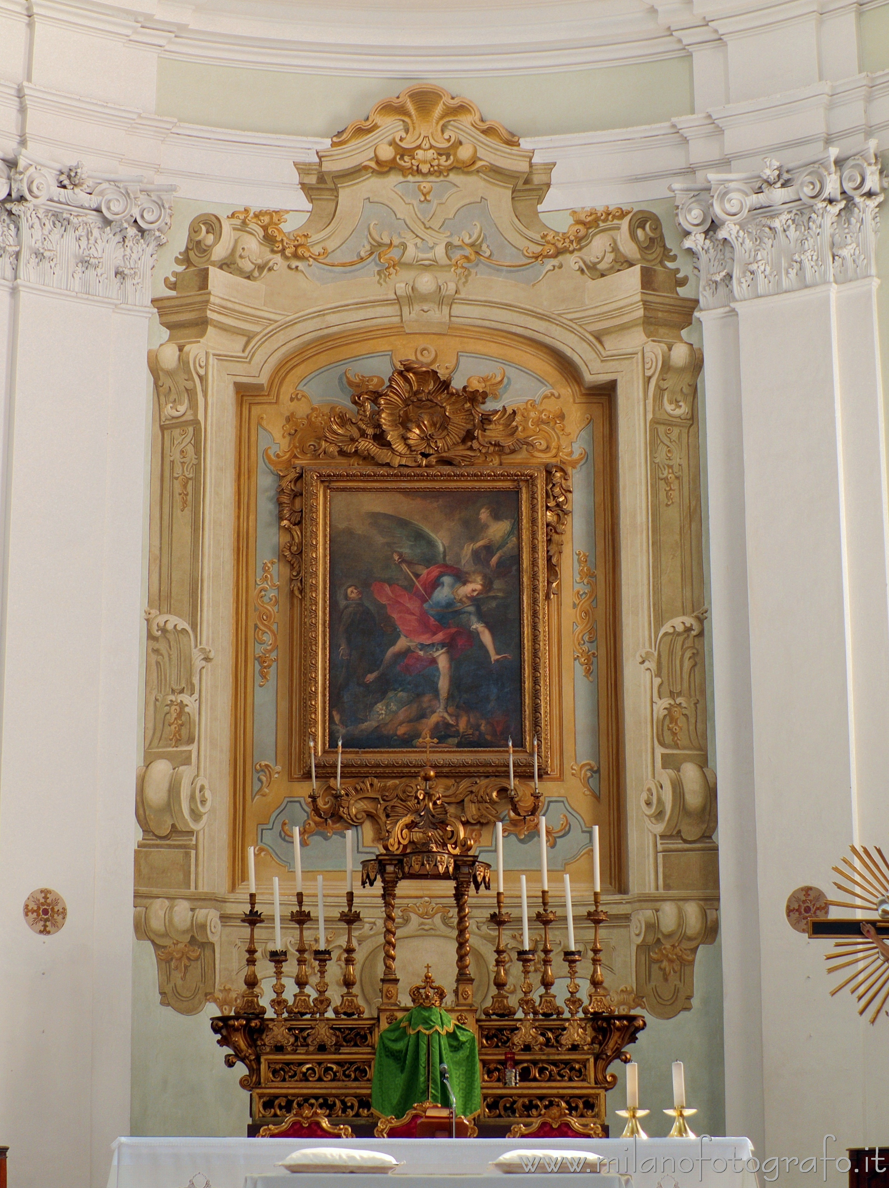 Santarcangelo di Romagna (Rimini, Italy): Main altar of the Church of the Blessed Virgin of the Rosary - Santarcangelo di Romagna (Rimini, Italy)