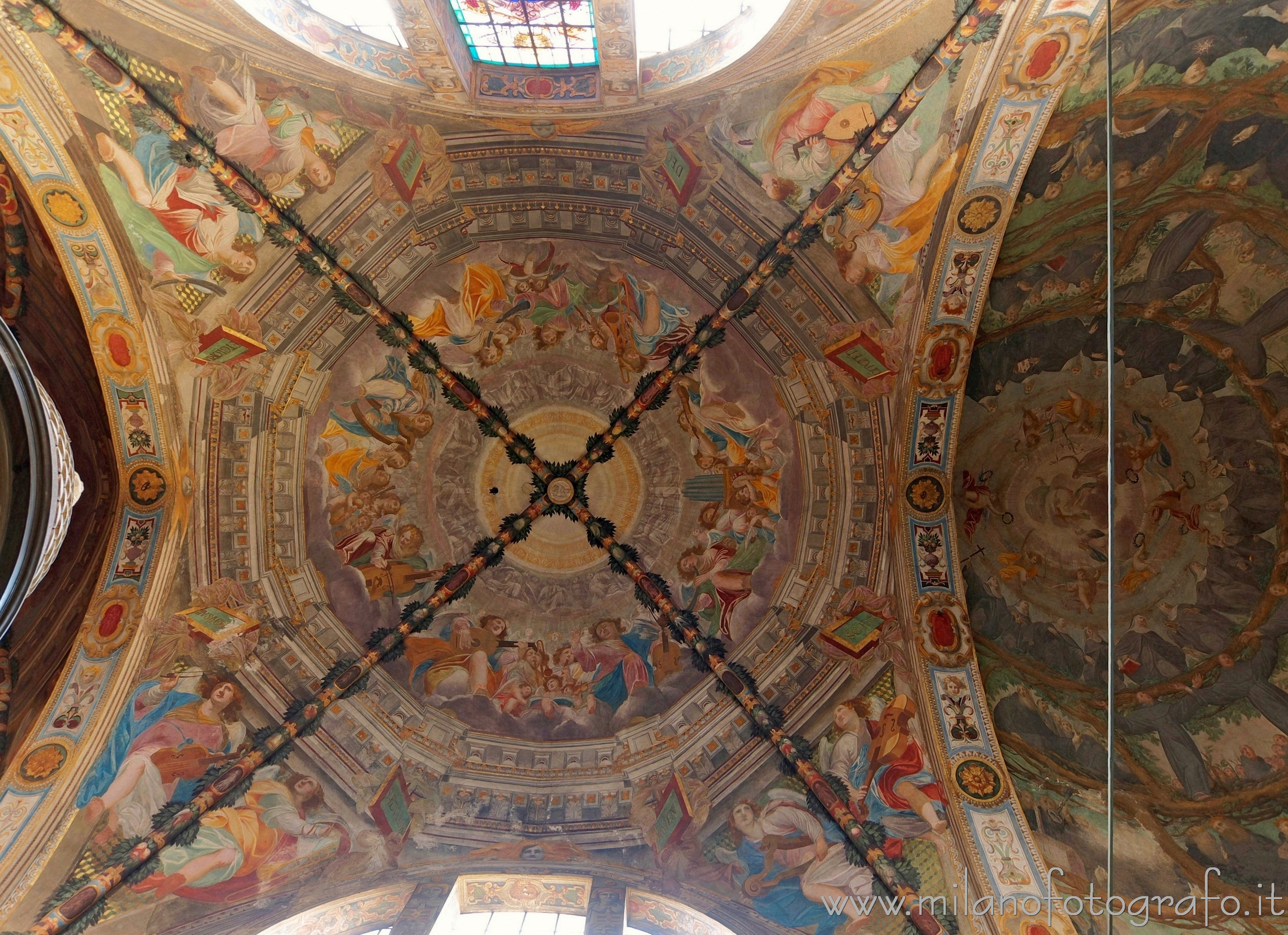 Milan (Italy): Ceiling of the second span of the presbytery of the Basilica of San Marco - Milan (Italy)
