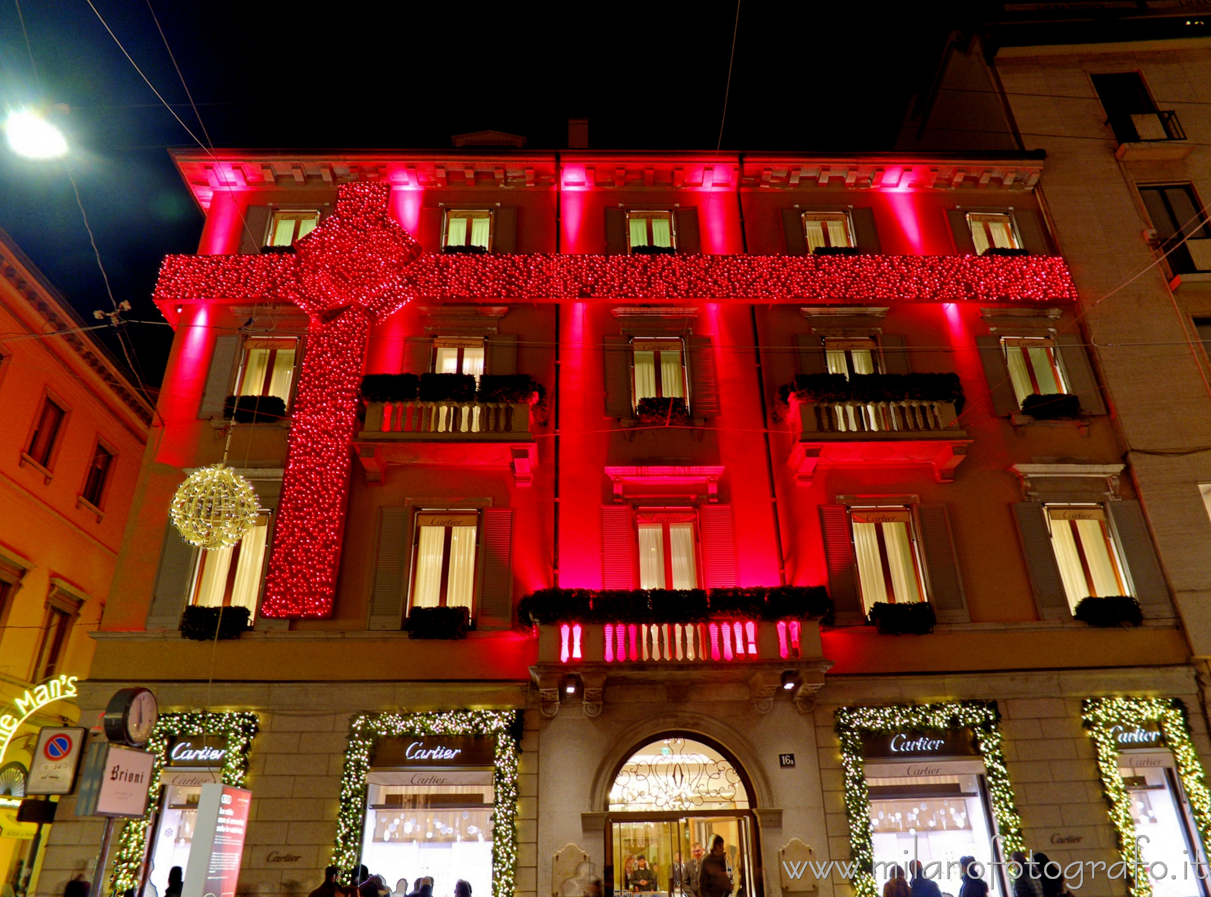 Milan (Italy): The Milan seat of Cartier with Christmas lights - Milan (Italy)