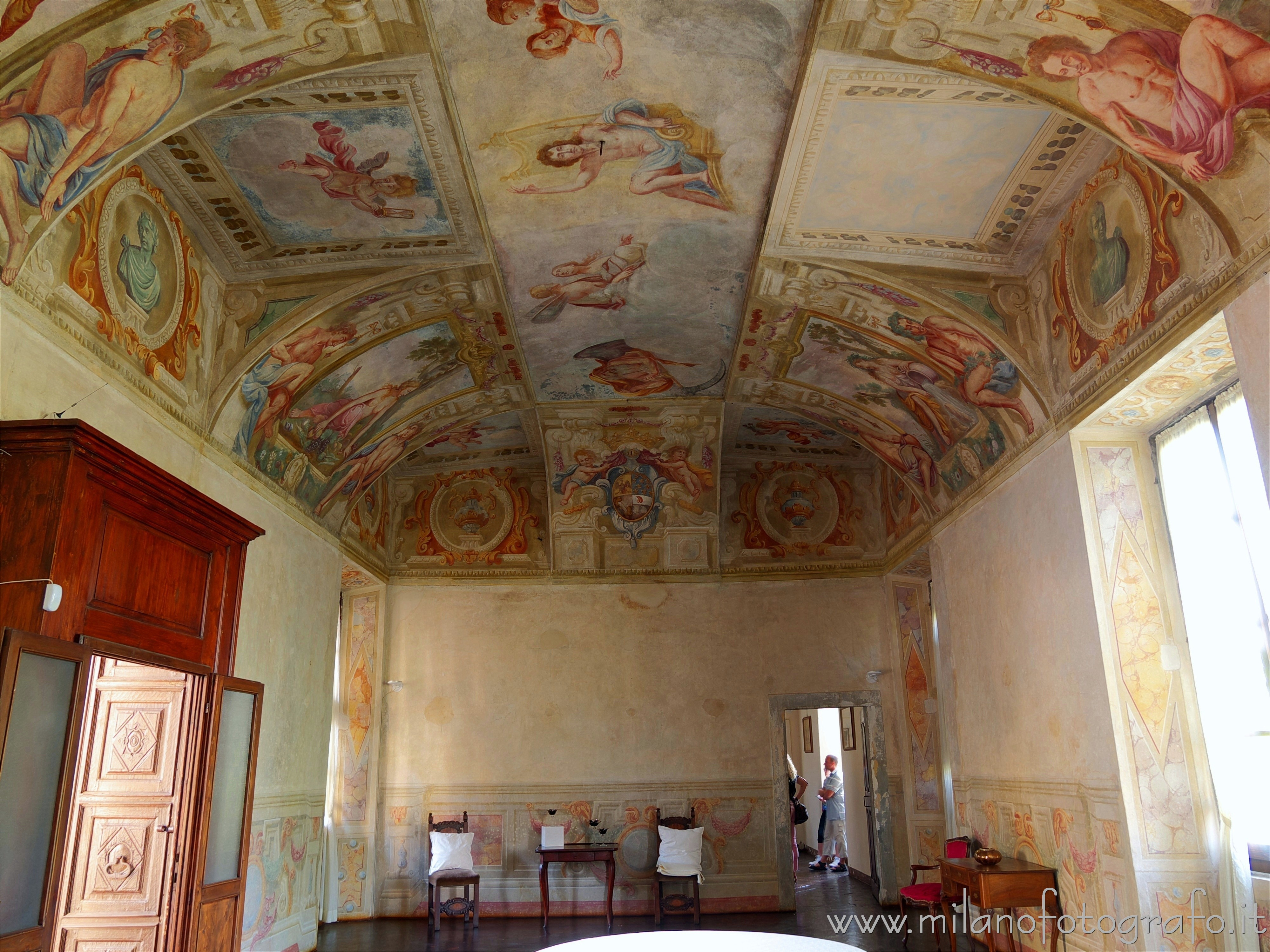 Cavernago (Bergamo, Italy): Frescoed hall in the Castle of Cavernago - Cavernago (Bergamo, Italy)