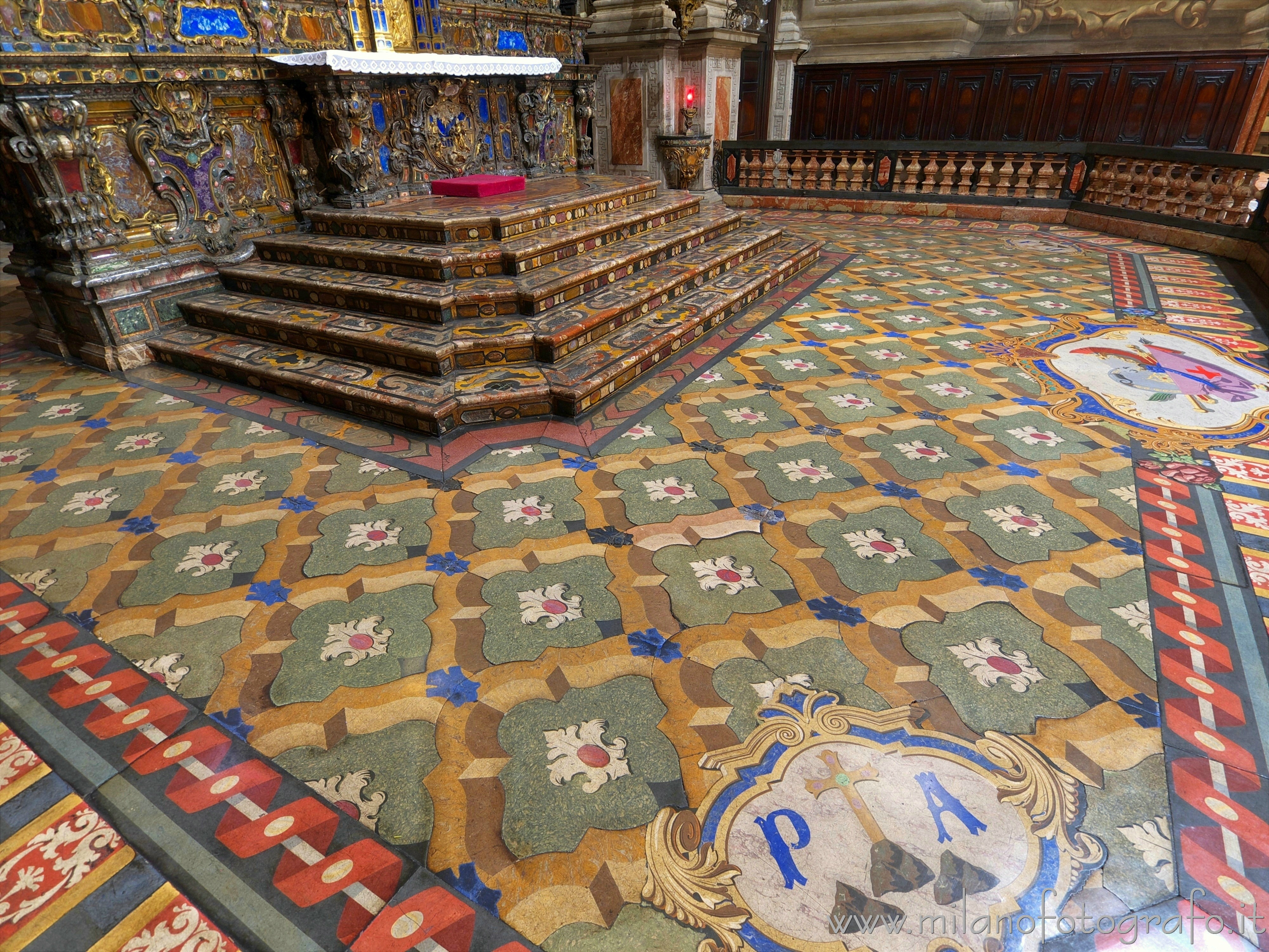 Milan (Italy): Scagliola floor of the presbytery of the Church of Sant'Alessandro in Zebedia - Milan (Italy)