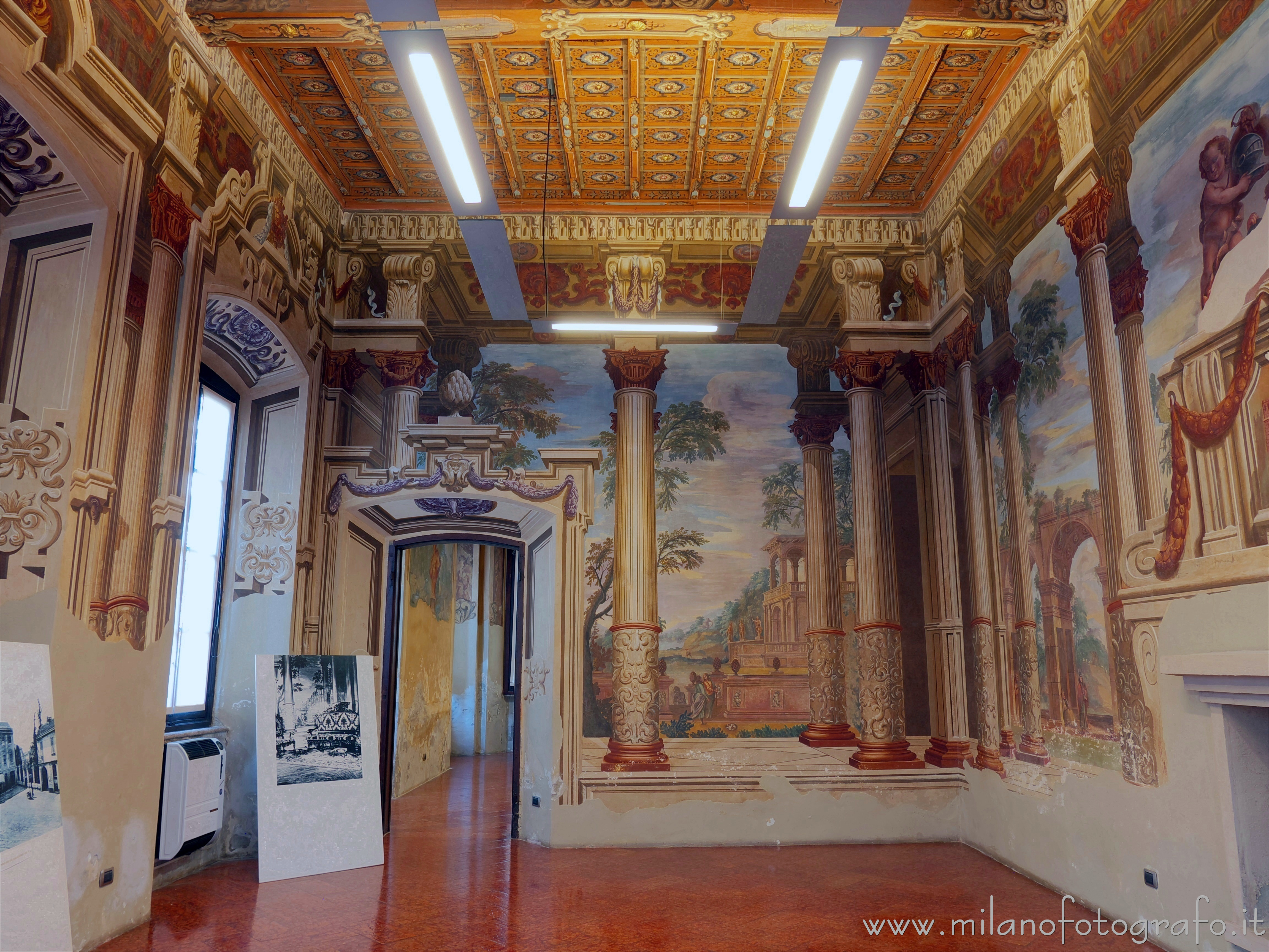 Lissone (Milan, Italy): Hall of the Columns in Villa Baldironi Reati - Lissone (Milan, Italy)
