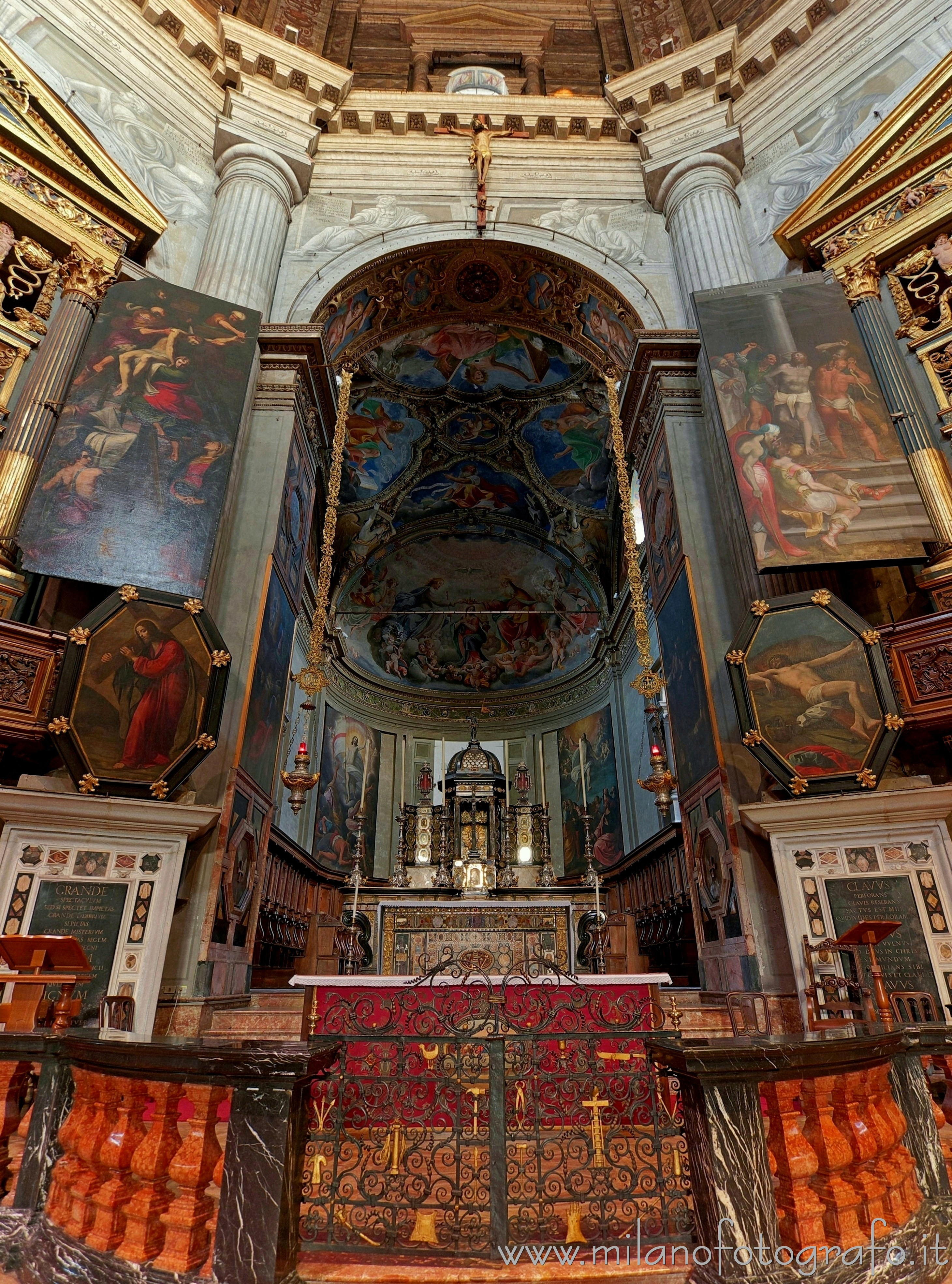Milan (Italy): Presbytery of the Church of Santa Maria della Passione - Milan (Italy)