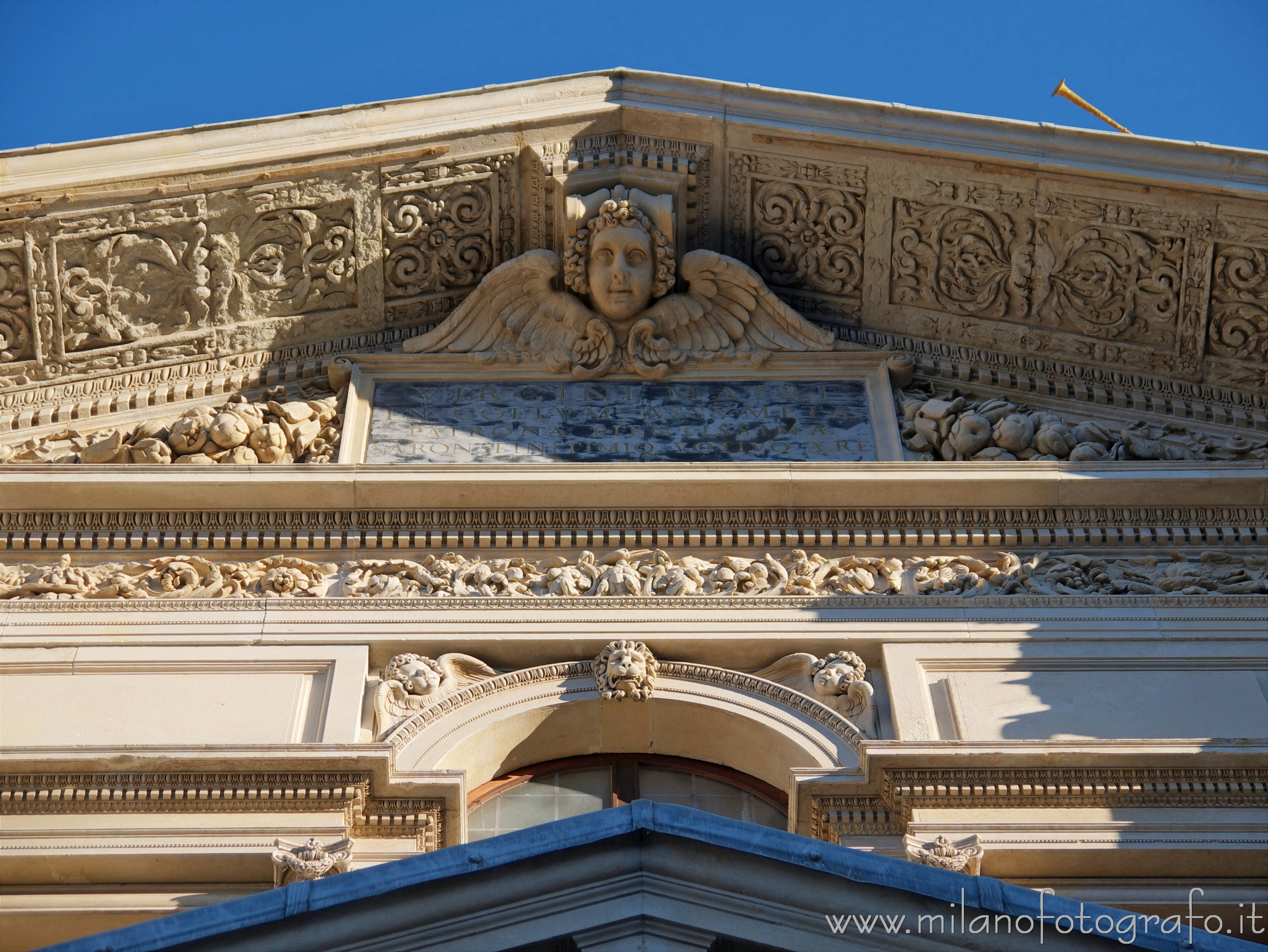 Saronno (Varese, Italy): Detail of the facade of the Sanctuary of the Blessed Virgin of the Miracles - Saronno (Varese, Italy)