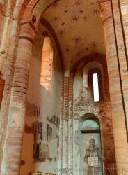 Milan - Red Church or Santa Maria at the Font: Pictures and Info
