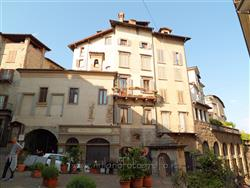 Places  of historical value  of artistic value around Milan (Italy): Bergamo