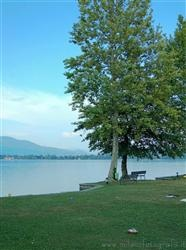 Places  Others  of naturalistic value  of landscape value around Milan (Italy): Lake Monate