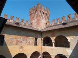 Places  of historical value around Milan (Italy): Castle of Malpaga