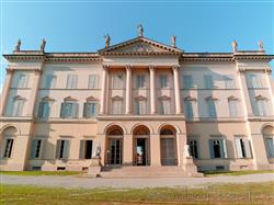 Places  of historical value  of artistic value around Milan (Italy): Villa Cusani Traversi Tittoni