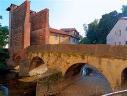 Places  of historical value around Milan (Italy): Bridge of San Rocco